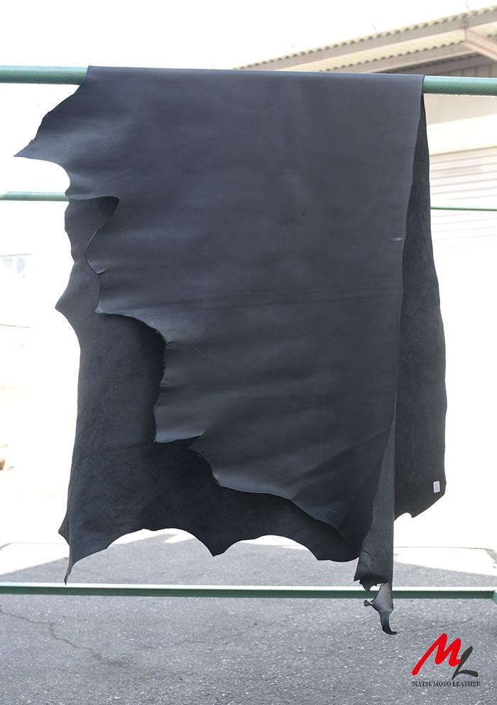 半裁 牛本革 本牛革 革材料 革 皮 皮革 日本製 ブラック1